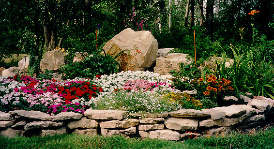 Landscaping with rocks tampa bay ponds rocks for Rock landscaping ideas